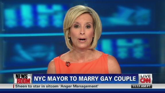 Bloombergtoofficiatesamesexwedding