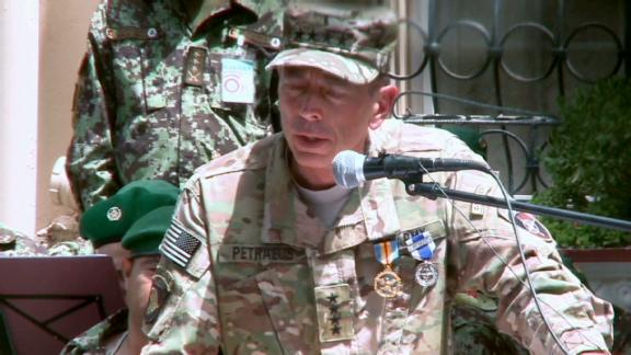 GenPetraeustransfersAfghancommand
